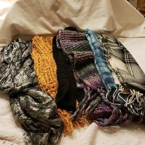 Accessories - Bundle of 6 scarves